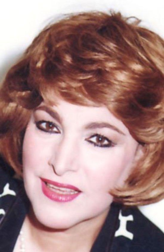 تعرفوا على الممثلة الشهيرة زوجة الفنان محمود الحديني التي ابتعدت عن الفن بسببه