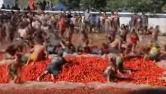 انطلاق حرب الطماطم في تشيلي