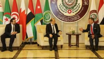 الملك عبدالله استقبل عون ورحب به رئيسا للوفد اللبناني الى القمة