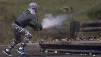 «انتفاضة الاسرى» في اليوم الـ 14 : الاحتلال يغلق الضفة وغزة