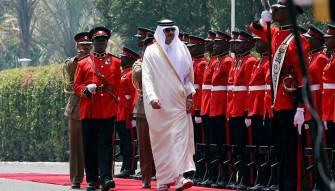 أمير قطر يثير جدلا واسعا: إيران تضمن الاستقرار في المنطقة ومؤامرة خليجية تحاك ضد قطر!