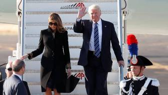 فيديو: بعدما أبعدت يده في فلسطين المحتلة.. ميلانيا تُحرج ترامب مجددا في ايطاليا!