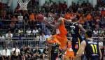 بطولة لبنان في كرة السلة :<br /> الرياضي يتقدم على الهومنتمن (3-2)