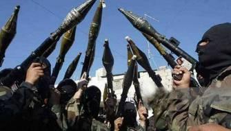 عباس يمسك بملف امن المخيّمات لتفادي توظيفها اقليميا