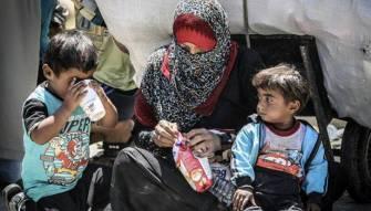 مهاجرون صودر أطفالهم وصودرت بلدانهم !